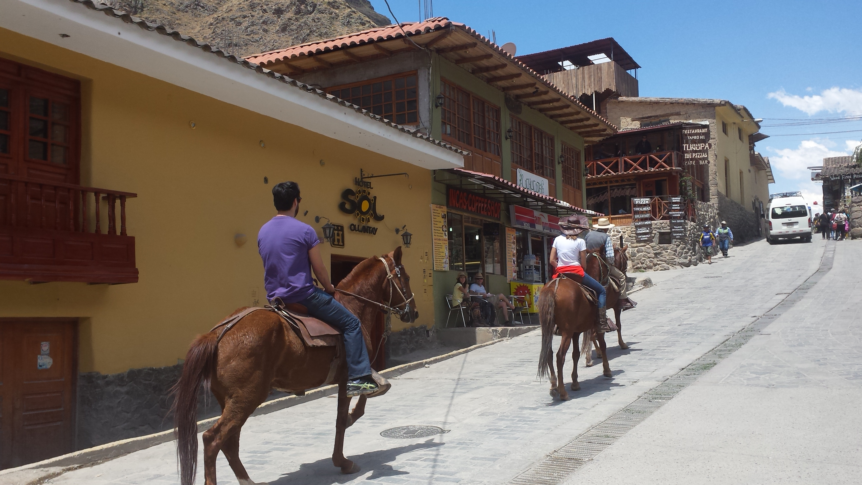 Day 2 - Arrival in Cusco and transfer to Ollantaytambo
